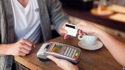Банки протянут клиентам руку помощи