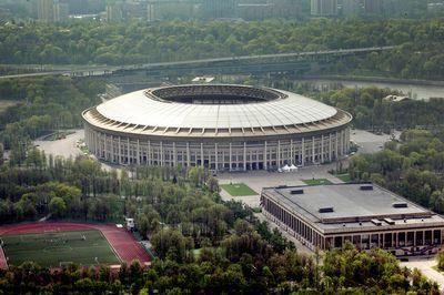 Бса «лужники» сносить не будут фифа согласилась сократить вместимость стадиона, который примет чм-2018