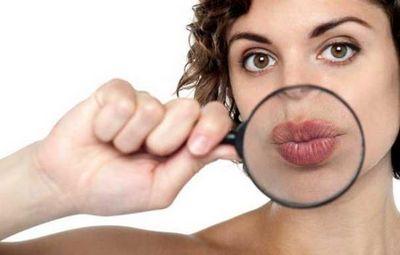 Чешется нижняя губа: что за примета? к чему чешется верхняя губа: примета – основные толкования