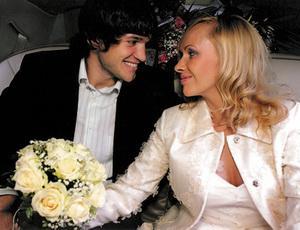 Даже самые эмансипированные дамы желают выйти замуж, утверждают эксперты