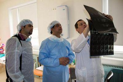 Делегация из пакистана посетила федеральный центр нейрохирургии в тюмени