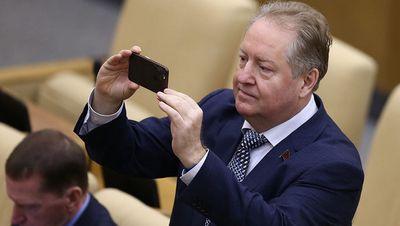 Депутат госдумы от кпрф судится с ветеранами, планируя на выигранное оплатить их долги