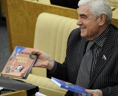 Для чего депутат оттатарстана пытается доказать, что русские— неславяне? - «общество»