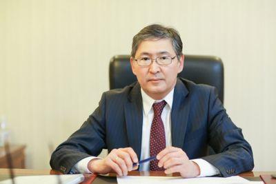 Е.сагадиев призвал не создавать ажиотажа вокруг школьной формы