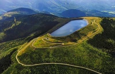 Гидроэлектростанция «длоуге стране» в чехии привлекает туристов