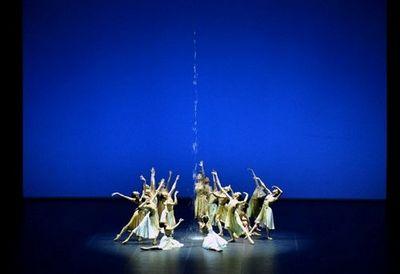 Глава государства посетил премьеру балета в рамках открытия нового театра