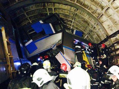 Эксперты выдвинули версии крушения поезда в московском метро