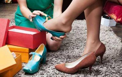 К чему снится мерить обувь: сапоги, босоножки, тапочки? основные толкования разных сонников - к чему снится мерить обувь