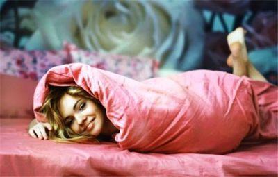 К чему снится одеяло: укрыться и лежать под одеялом, укрывать одеялом ребёнка . основные толкования: к чему нам снится одеяло