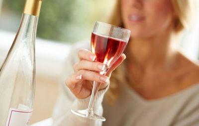 К чему снится вино: пить вино, делать вино, покупать вино или дегустировать? основные толкования - к чему снится вино
