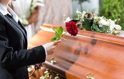 К чему снятся похороны человека: знакомого или незнакомого? основное толкование, к чему снятся похороны человека
