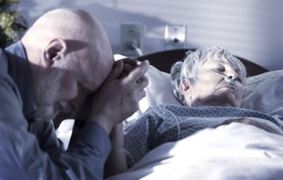 К чему снятся умершие родственники: близкие или дальние? основные толкования разных сонников - к чему снятся умершие родственники