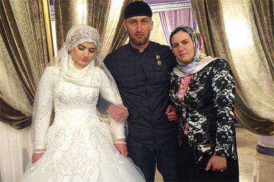 Кадыров публично отругал за whatsapp и карикатуры на свадьбу тысячелетия