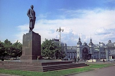 Как переезжали московские памятники писателям