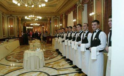 Как получить щедрые чаевые: уловки официантов - «наука»