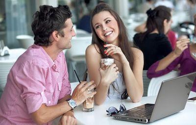 Как понять, нравишься ты девушке или не нравишься? основные признаки, намеки и явные проявления того, что ты нравишься девушке