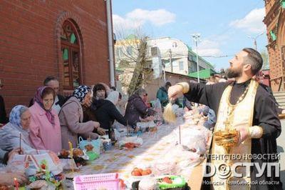 Канун пасхи: православные челябинцы массово святят куличи и яйца - «новости челябинска»