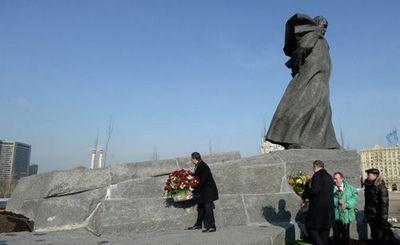 Кого поставить в севастополе на место снесенного памятника шевченко? - «наука»