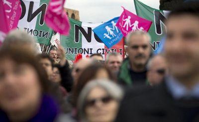 Консервативные христиане выходят из государственной церкви в знак протеста против однополых браков - «наука»