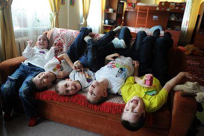 Координатор фонда волонтеры в помощь детям-сиротам алена синкевич о том, как устроить жизнь российских детей-сирот