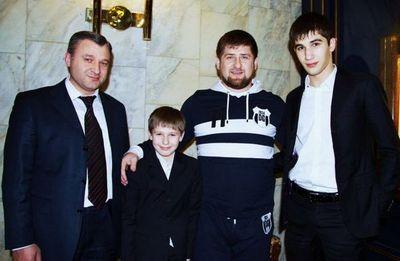 Кто устроил массовую драку в центре москвы?