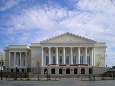 Культурная афиша тюмени на сентябрь: ярмарка абонементов в филармонии и театральные премьеры