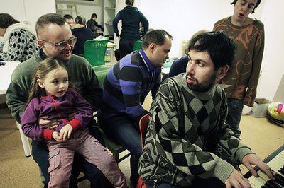Малахов и собчак обнаружили у себя зерна нетолерантности к инвалидам