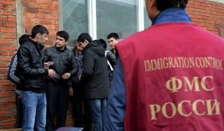 Мигрантам в россии начали выдавать патенты на работу