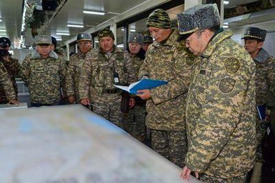 Министр обороны рк проверил ход проведения внезапных учений