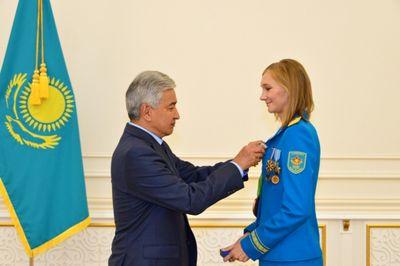 Министр обороны рк вручил ольге рыпаковой орден «парасат»