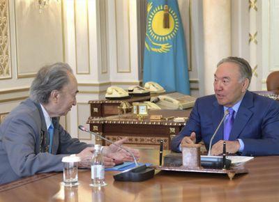 Н.назарбаев вручил с.джиенбаеву государственную премию мира и прогресса