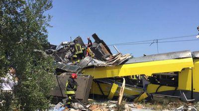 Названа предварительная причина столкновения поездов в италии