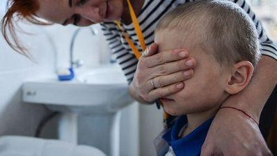 Обморожения и переломы конечностей: как издеваются в детских садах