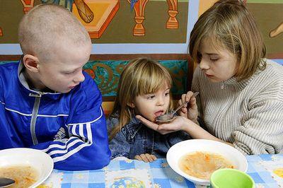 Омбудсмен по правам детей приглашает обсудить проект федеральной целевой программы «россия без сирот», правда, текста программы еще нет