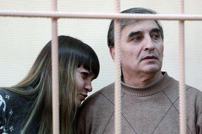 Отца и дочь автора и продавца поддельных картин малевича и родченко приговорили к 4 и 2 годам колонии
