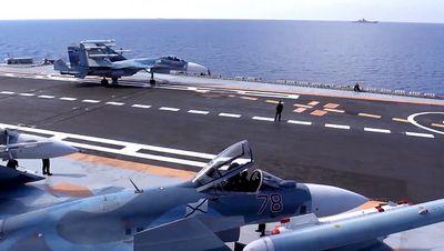 Падение су-33 с «кузнецова» могло произойти из-за некачественного троса