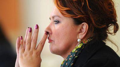 Подозреваемого в хищении 3,5 млрд рублей у управделами президента ищут за границей