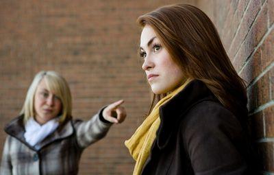 Поссорилась с подругой – что делать? надо ли первой идти мириться или нет, если ты вдруг поссорилась с подружкой