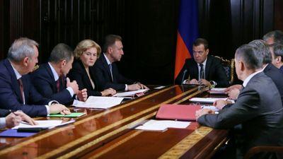 Правительство молдавии продолжает работу. протестующих призывают несдаваться - «общество»