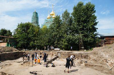 При реконструкции тверской обнаружены очередные артефакты