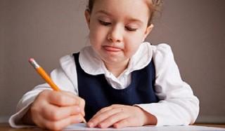 Российским школьникам ограничат объем домашних заданий