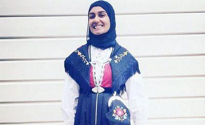 Сахфана сшила себе норвежский национальный костюм с хиджабом — и вызвала лавину ненависти и расистских высказываний - «наука»
