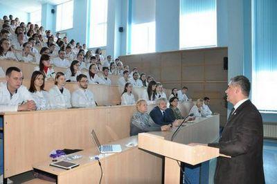 Самарский университет заинтересован в уникальной системе обучения нейрохирургов в фцн