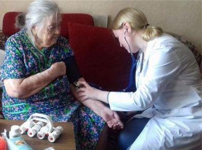 Санаторий и психотерапию на дому опробовали около сотни тюменских пенсионеров