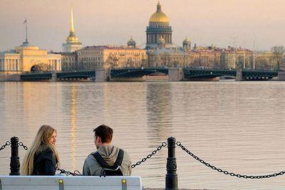 Санкт-петербург и рига наводят мосты