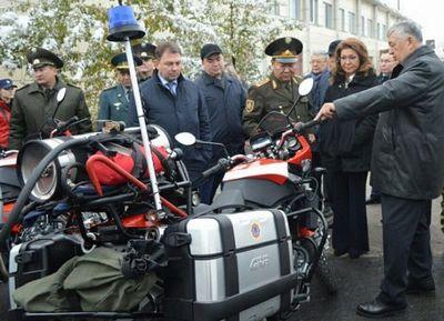 Сенаторы посетили республиканский оперативно-спасательный отряд кчс мвд рк