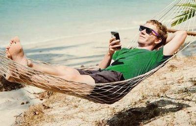 Смартфон – твой друг. и в отпуске тоже
