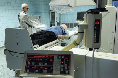 Специалисты опасаются, что из-за инициатив властей онкологическая помощь станет еще менее доступной