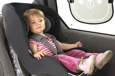 Таксистов будут штрафовать на 50 тысяч рублей за перевозку детей без автокресла