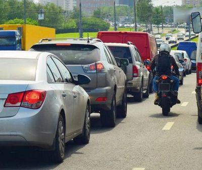 Тюменский общественник против идеи разрешить мотоциклам ездить между рядами